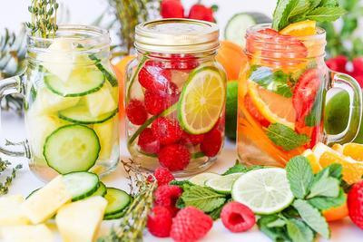 Perbanyak Konsumsi Air Putih dan Buah-buahan
