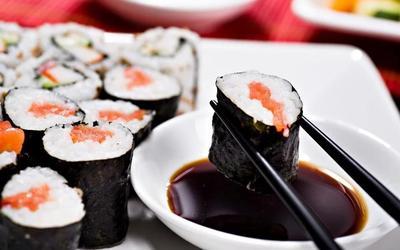 Duh, Ternyata Cara Makan Sushi yang Benar Seperti Ini....