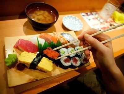 Cara Menyantap Sushi