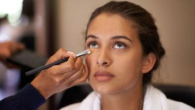 Beauty Trend: Micro Concealing, Teknik Menutupi Noda Wajah dengan Sedikit Produk