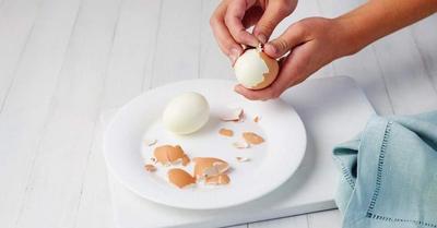 Cara Mudah Mengupas Kulit Telur Rebus dengan Sempurna