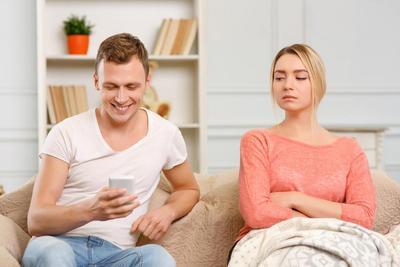 Tips Mengatasi Cemburu Berlebihan Terhadap Pasangan