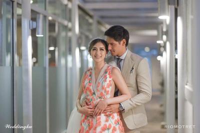 Mengintip Gaun dan Riasan Cantik Jessica Iskandar di Hari Pertunangan