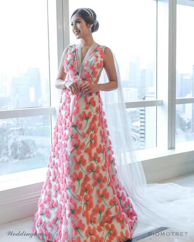 Tampil Anggun dengan Gaun Rancangan Sebastian Gunawan