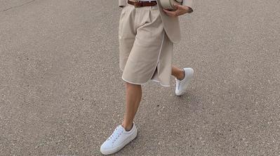 Bingung Padu Padan Sneakers Putih? Coba Tips di Bawah Ini untuk Tampil Berbagai Gaya