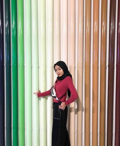 Background Bambu Warna-Warni