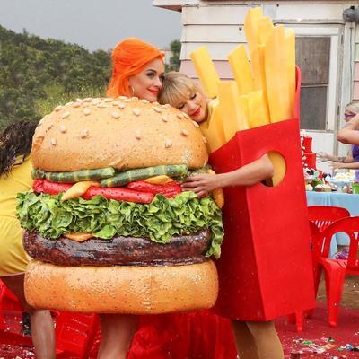 Katy Perry Jadi Inspirasi Kostum Video Klip