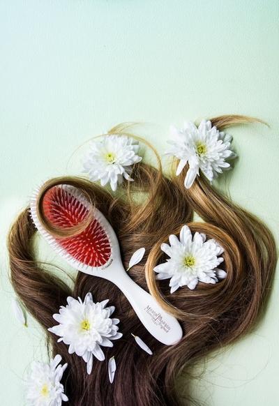 Perhatikan Kebersihan Alat-alat Rambut