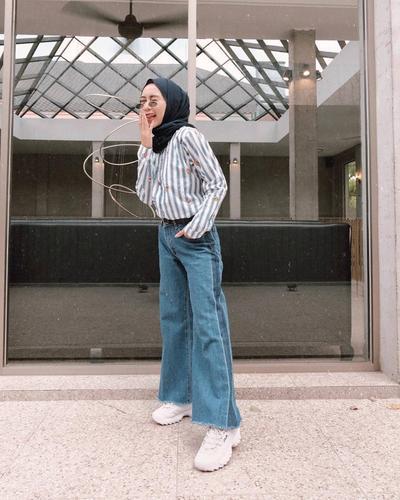 1. Side Strap Jeans