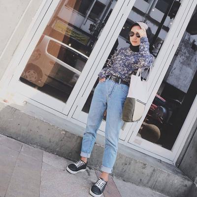 3. Boyfriend Jeans