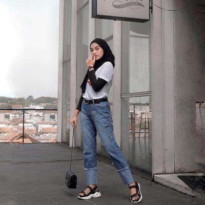 5. Cuff Jeans