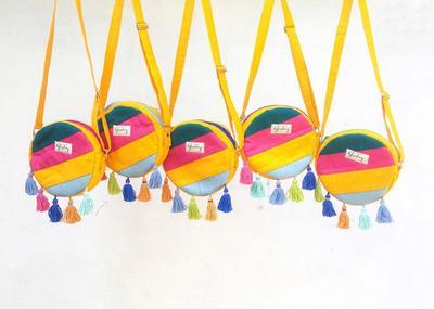 Kian Digandrungi, Ini Dia Tas Kanvas Hits yang Bisa Kamu Dapatkan di 6 Online Shop Pilihan