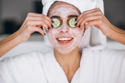 Skincare 101: Semua yang Perlu Kamu Tahu Tentang Facial dari Ahli Kecantikan