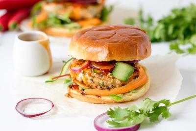 Resep: Thai Fish Burger, Kreasi Kari Thailand dalam Burger yang Nikmat