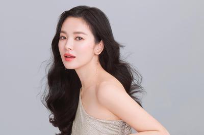 Tips Casual Look ala Song Hye Kyo untuk Aktifitas Sehari-hari, Bikin 10 tahun Lebih Muda!