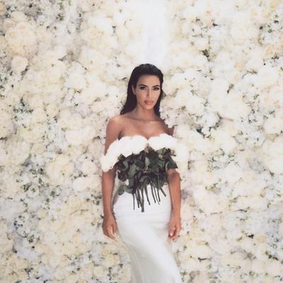 "Fakta Menarik ""Kimono"", Shapewear Line Milik Kim Kardashian yang Picu Kontroversi"