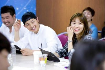 28 Mei 2015 : Pembacaan Naskah Pertama Serial Drama Descendants of The Sun