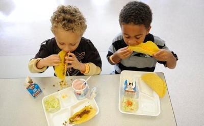 3.Jangan Malu Membawa Bekal Makan Siang