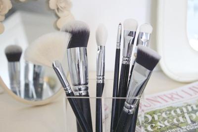 Intip Tips Pilih Foundation Brush Terbaik untuk Ratakan Foundation di Sini!