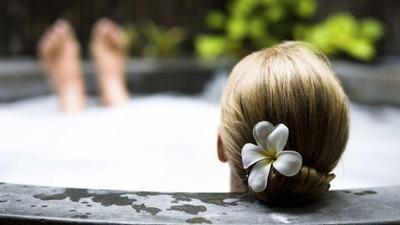 Mengikuti Trend No-Shampoo Untuk Mengistirahatkan Rambut