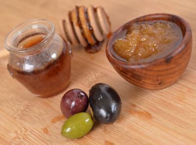 Mancampurkan Madu dengan Minyak Zaitun