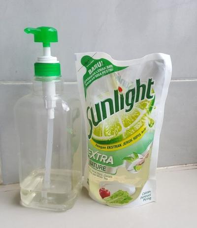 Sabun Cuci Piring dan Air DIngin