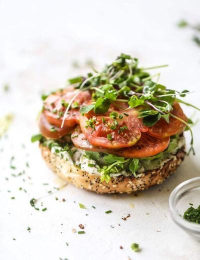 Resep Sandwich Tomat, Kreasi Sarapan Praktis yang Nikmat