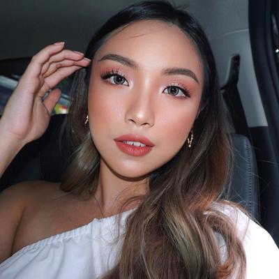 Tutorial Makeup Anti Telat ala Beauty Vlogger Gel Angelicca, Ready dalam 10 menit!