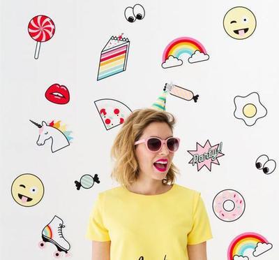 [Emoji Day] Jangan Sampai Salah Kirim, Ini Makna Emoji yang Sebenarnya!
