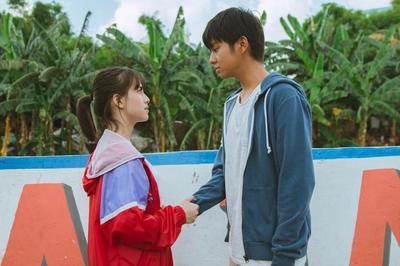 10 Fotret Menggemaskan Dara dan Bimo, Pemeran Utama Film Dua Garis Biru