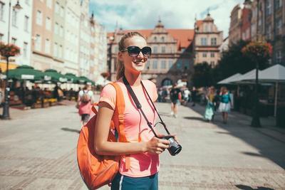 Tertarik Traveling Sendirian? Pastikan Keamanan dengan Ikuti Tips Ini