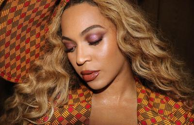Makna di Balik Makeup dan Gaun Beyonce di Premier Film Lion King