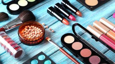 Benarkah Kosmetik Kedaluwarsa Masih Bisa Digunakan?
