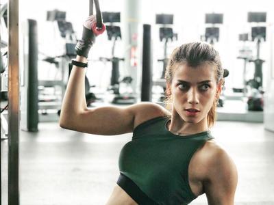 8 Potret Sabrina Chairunnisa, Tunangan Deddy Corbuzier, Saat Olahraga