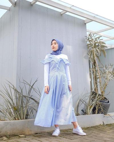 Dress Motif Stripe Aksen Ruffle + Inner Putih