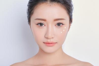 Jangan Biarkan Riasan Wajah Rusak! 5 Primer Ini Ampuh Tutupi Pori-pori Besar
