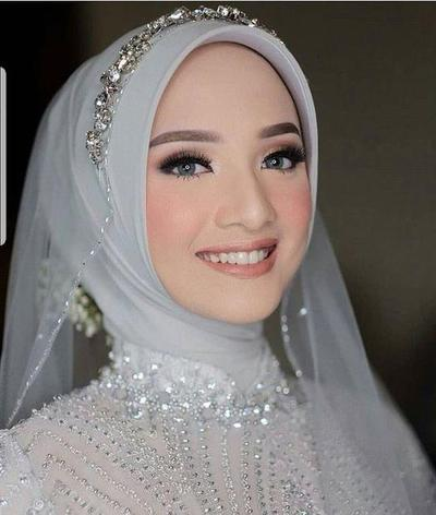 Make up Dengan Warna Yang Kalem