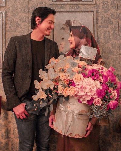 Potret Foto Prewedding Cut Meyriska dan Roger Danuarta, Bertema Negeri di Atas Awan?