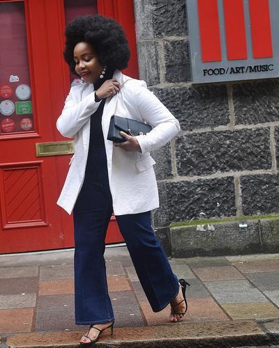 Jeans dengan Blazer