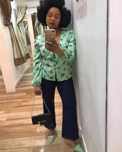 7 Ide Outfit Simple dan Classic dengan Celana Jeans