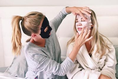 Jangan Dibuang! Begini Cara Manfaatkan Sisa Essence dari Sheet Mask