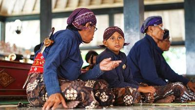 11.Saiki Jaman Edan Yen Ora Edan Ora Komanan, sing Bejo sing Eling lan Waspodo