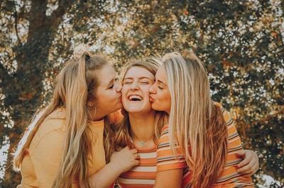Jangan Sembarangan Pilih Teman, Ini 7 Tanda Dia Sahabat Sejati Kamu
