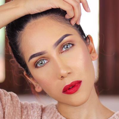 Tutorial Memakai Lipstik Merah ala Suhay Salim