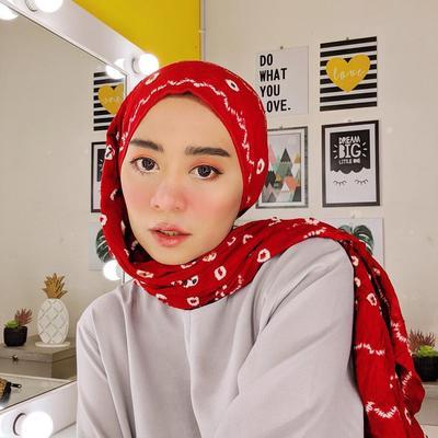 Kreasi Hijab ala Beauty Vlogger Cantik Ini Vindy, dari Turban Hingga Pashmina