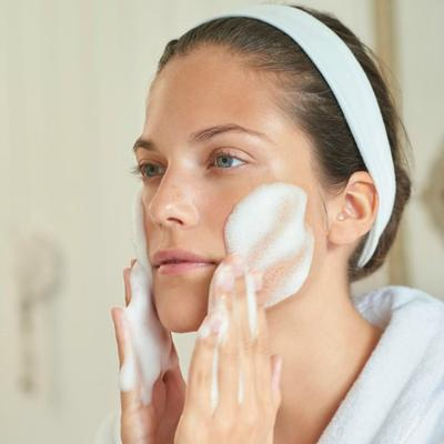 Bersihkan Wajah dengan Tuntas