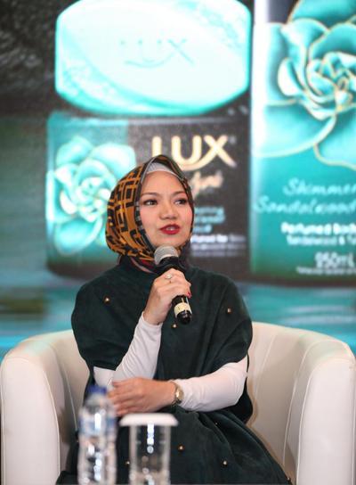 Bersama Maudy Ayunda, LUX Luncurkan Produk Terbaru dan Kampanye #STOPBeautyBullying