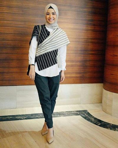 7.Tampil Cantik dengan Kimono Batik