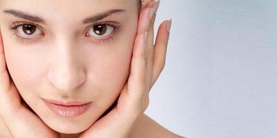 Melembutkan dan menghaluskan kulit