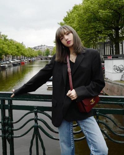 1. Casual Chic di Amsterdam